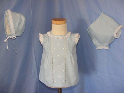 Vestido de niña hecho a mano