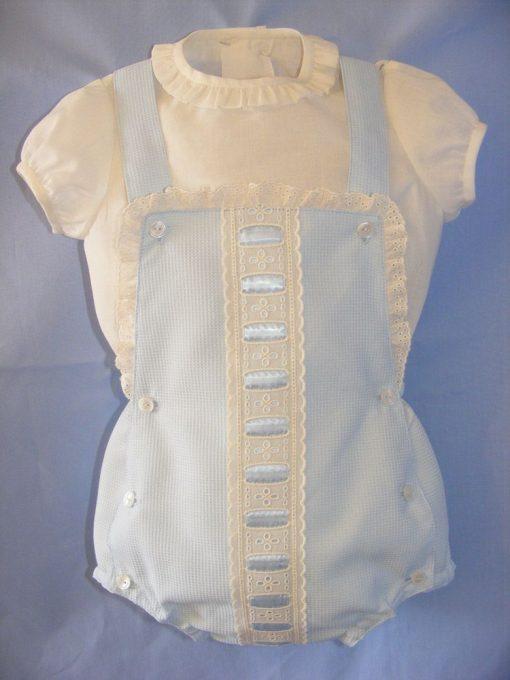 Conjunto de peto y camisa para niño