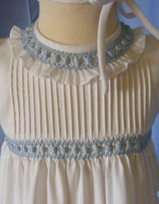 Vestido para niña hecho a mano