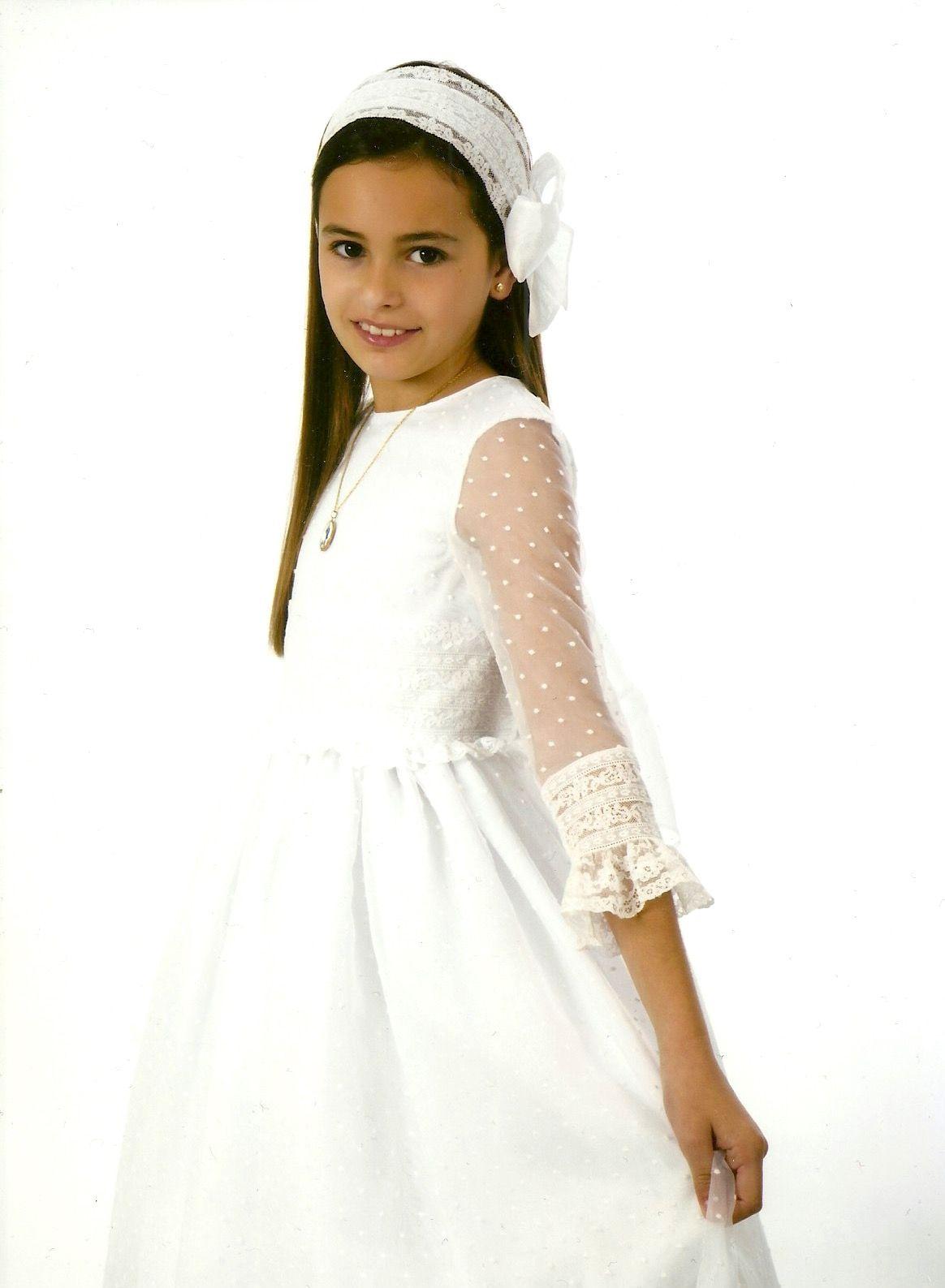 Vestido De Comunión Blanco De Plumeti Y Encaje Con Pasada